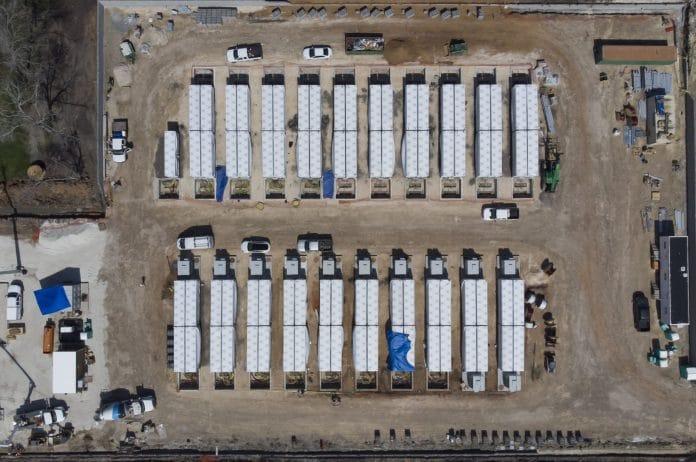 Tajemniczy akumulator Tesli. Gambit Energy Storage Park w Teksasie.