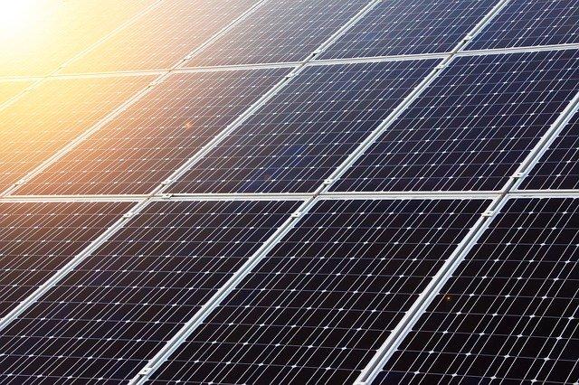 akumulatory w instalacjach PV – panele słoneczne