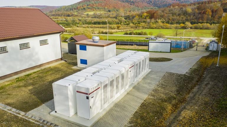 magazyn energii PGE z bateriami Tesla