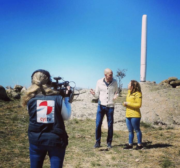 Urządzenia testowe firmy Vortex w Valle Amblés. nagrywane przez ekipę telewizyjną