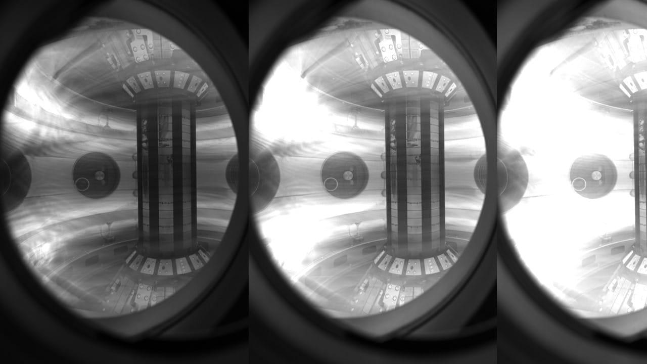 plazma we wnętrzu reaktora.