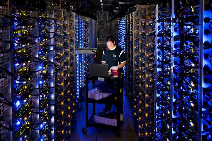 Programistka w centrum danych Google