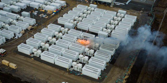 pożar australijskiego magazynu energii Tesla Megapack