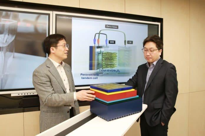 Ho Won Jang i Jin Young Kim omawiają system fotowoltaiczno-fotoelektrokatalityczny z tandemowym ogniwem słonecznym perowskitowo-krzemowym.